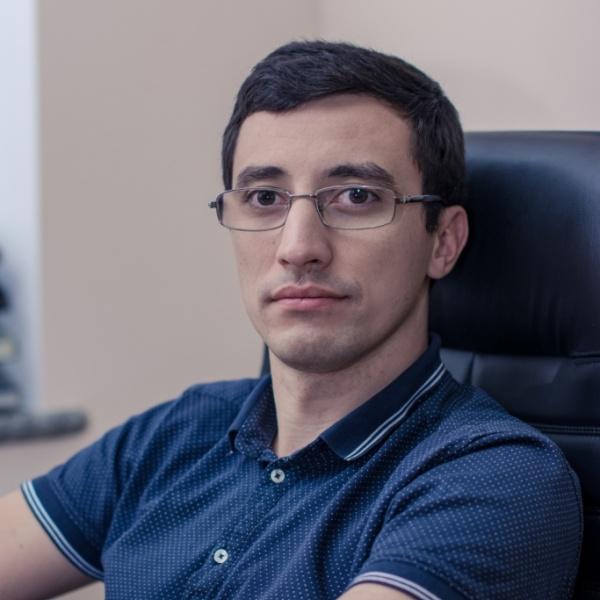 Рустам Хачак